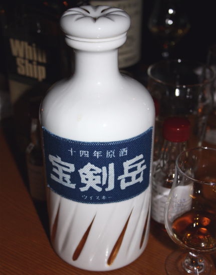 Mars Shinshu 20yo (I think) with a sneaky sample of Karuizawa behind