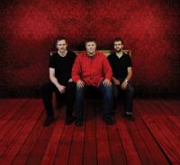 Trio Red